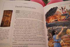 Biblia34-scaled